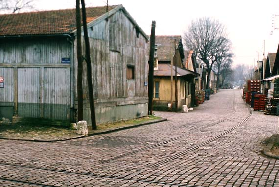 1bercy_rue_descente_bois
