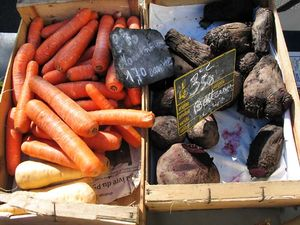 1beef_tail_carrots_market