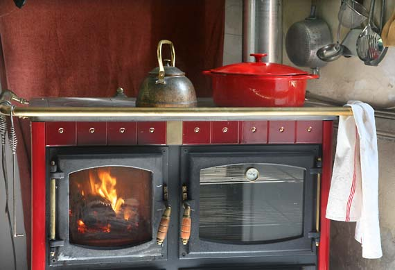 1beef_tail_wood_cookstove