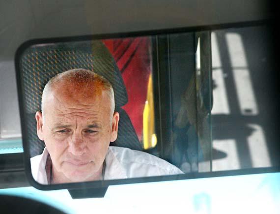 1il_tel_aviv_bus_driver_mirror