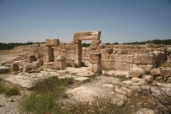 1yatir_synagogue_Kurvat_Anim
