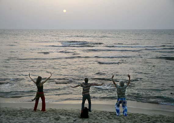 1tel_aviv_beach_sunset