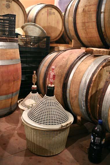 1seahorse_wine_jugs