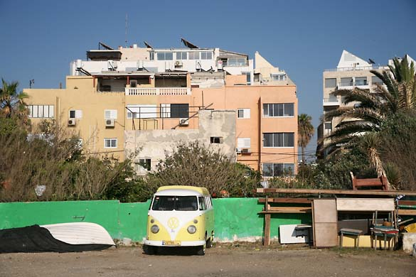 1tel_aviv_archi_beachfront