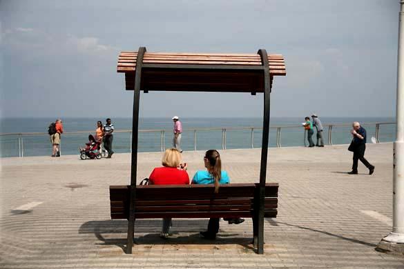 1tel_aviv_lines_beach_bank