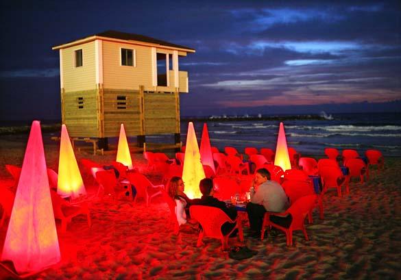 1tel_aviv_night_beach_bar