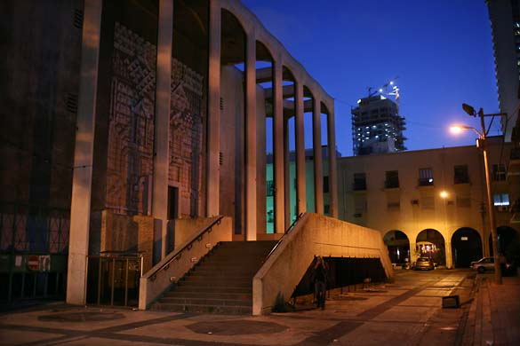 1tel_aviv_night_synagogue