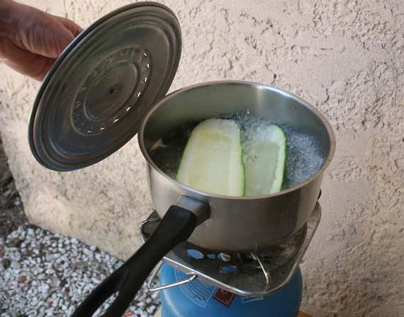 1stuffed_zucchini_boiling