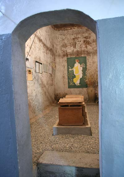 1coop_provence_sarcophagus