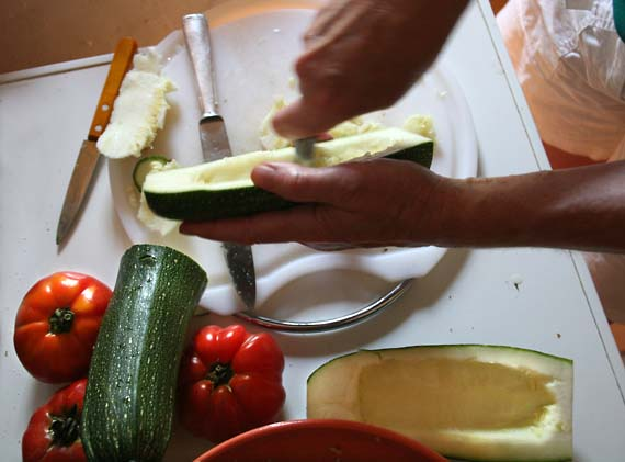 1stuffed_zucchini_emptying