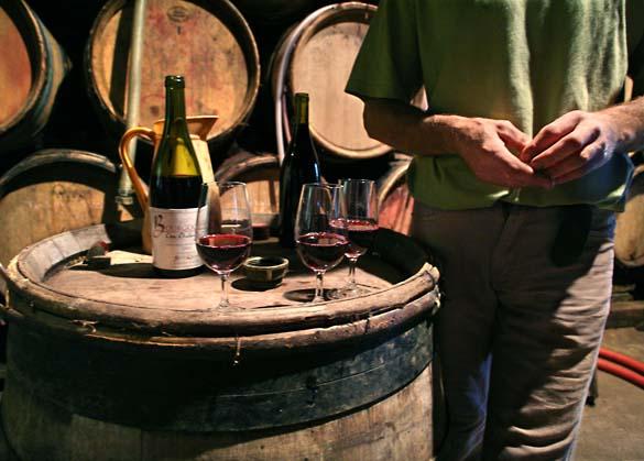 1delorme_burgundy_bottles