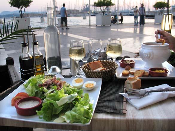 1wn_worst_wine_fancy_restaurant