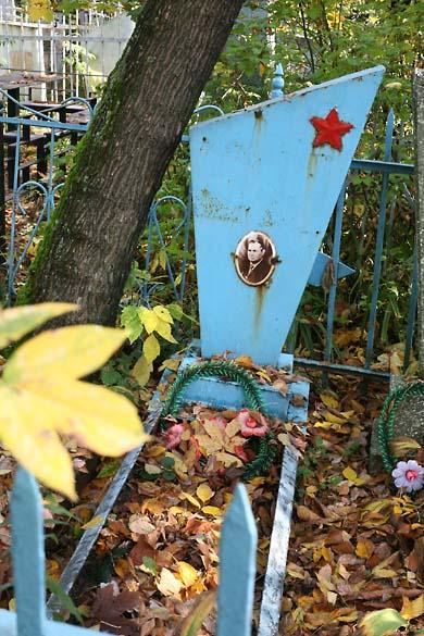 1soviet_cemetery_metal_casket