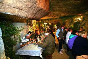 1underground_dinner_tables_cave