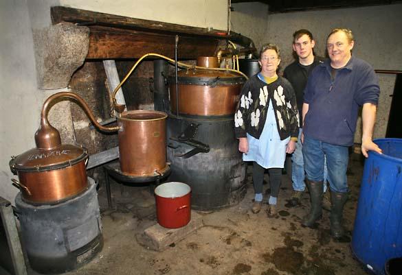 1bouilleur_cru_artisan_distillery