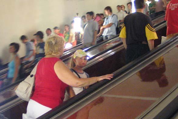 1rus_mos_metro_escalator