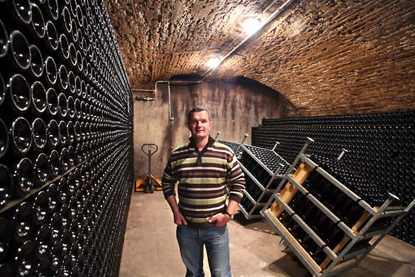 1horiot_champagne_cellar