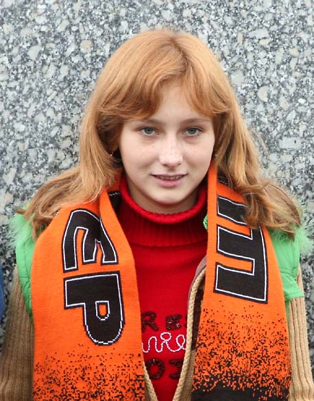 1donetsk_portraits_and_lines_supporter_girl