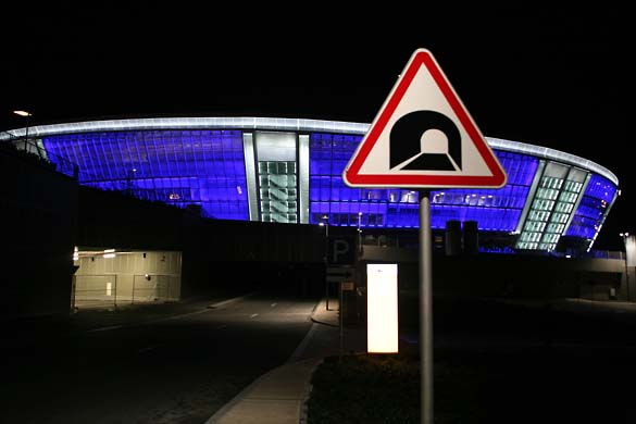 1donetsk_stadium_sign