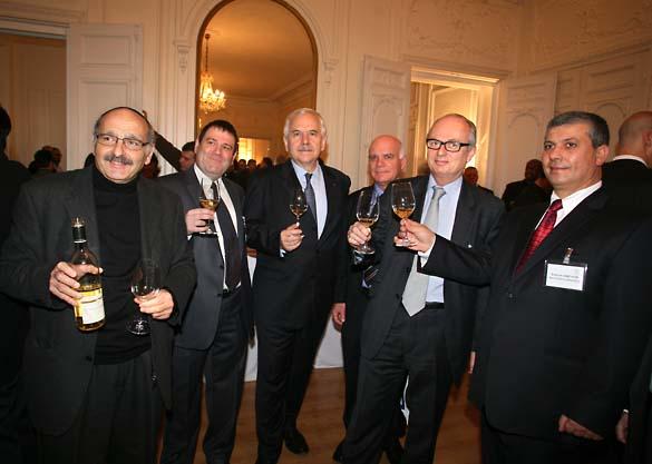 1wn_Israel_ambassador_wine