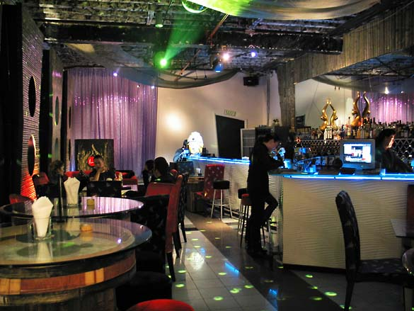 1shanghai_madhouse_bar