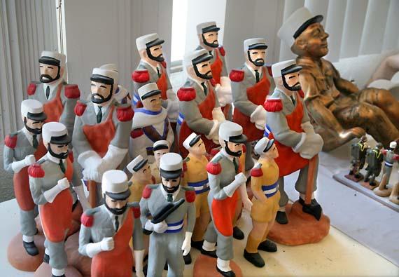 1legion_statuettes_souvenirs