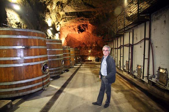 1jacky_blot_butte_underground_cellar_grenier_vats