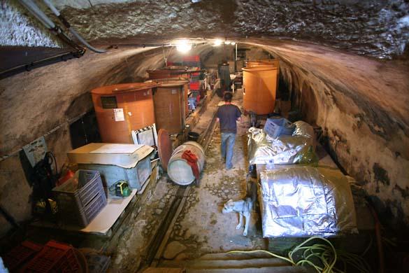 1francois_dhumes_cave_de_haut