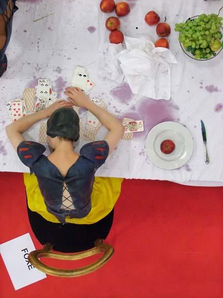 1snow_white_tasting_head_on_table