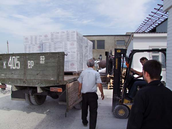 1grand_vostock_delivery_truck_loading