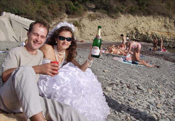 1istretto_beach_bride_champagne