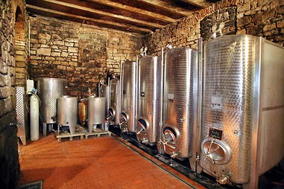 1deiss_vat_cellar