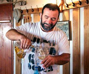 1ivan_karakezidi_pouring_carafe