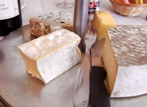 1wine_news_rouge_francais_fromage