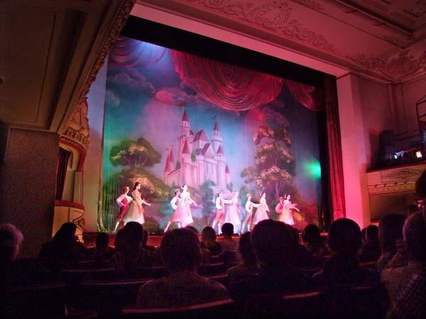 1russia_ballet_public2
