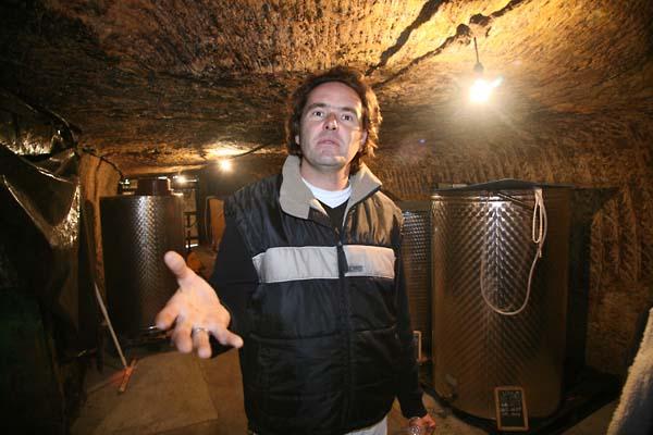 1bertrand_jousset_vats_tuff_cellar