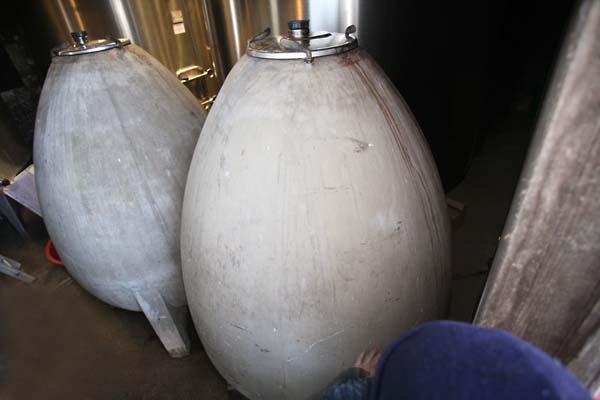 1breton_pierre_egg_shaped_vat