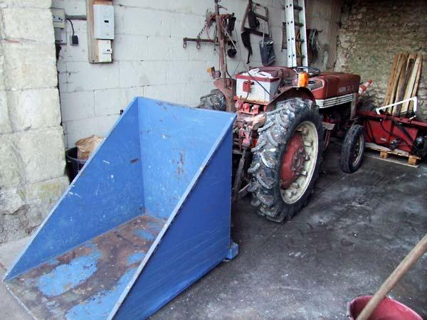 1lise_bertrand_jousset_tracteur