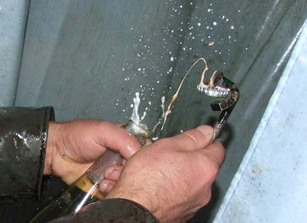 1natural_sparkling_disgorgement2