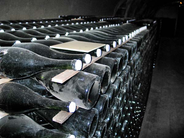 1krug_block_bottles_champagne