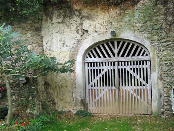 1benedicte_de_rycke_door_cellar