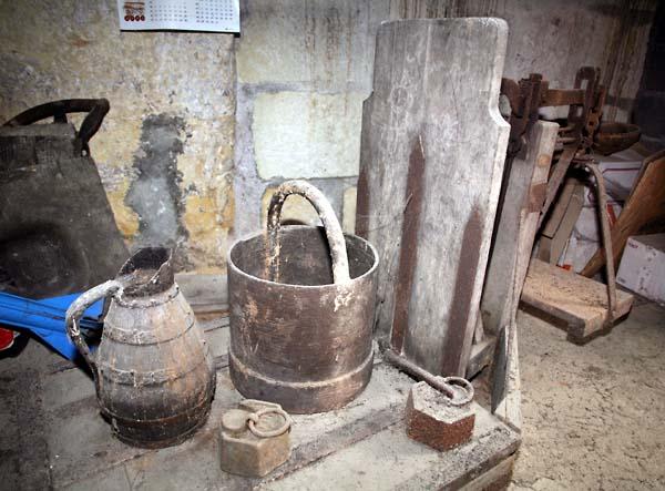 1garnon_hugues_wooden_jug_bucket