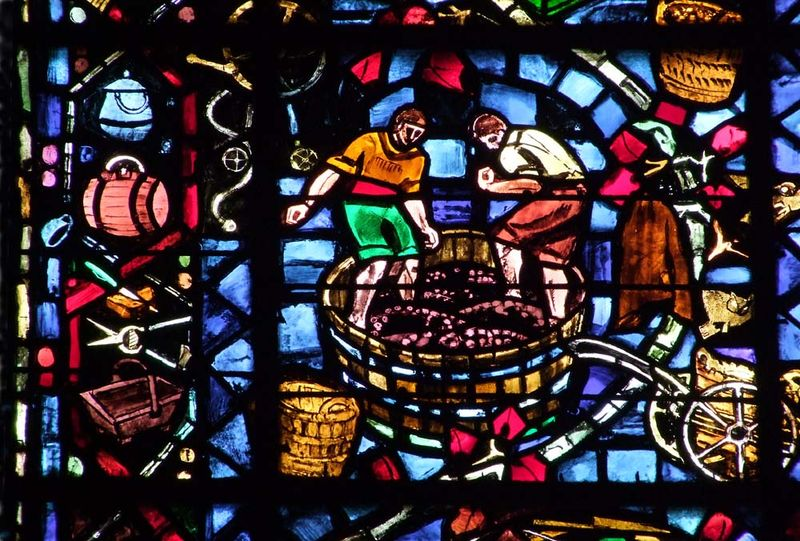 1reims_foulage_pieds_cathedral_stained_glass