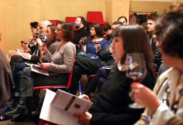 1wine_tasters_conference