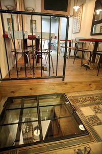 1vivant_cellar_glass_door