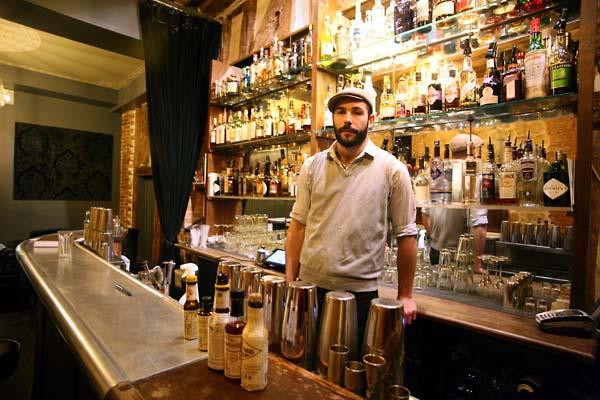 1experimental_bartender_mickael