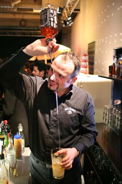 1nights_paris_whisky_flair_bartender