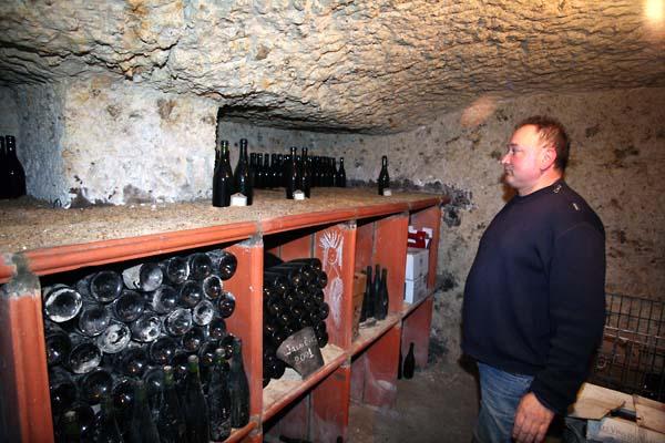 1jean_marie_renvoise_bottle_cellar_old_chenin