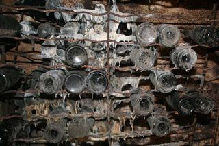 1leventre_dedieu_mould_champagne_cellar