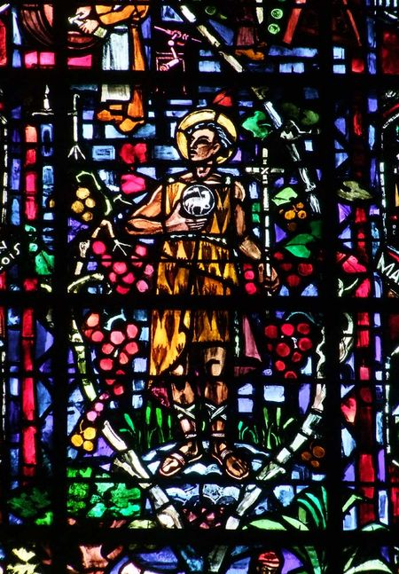1reims_patron_saint_cavistes_cathedral_stained_glass